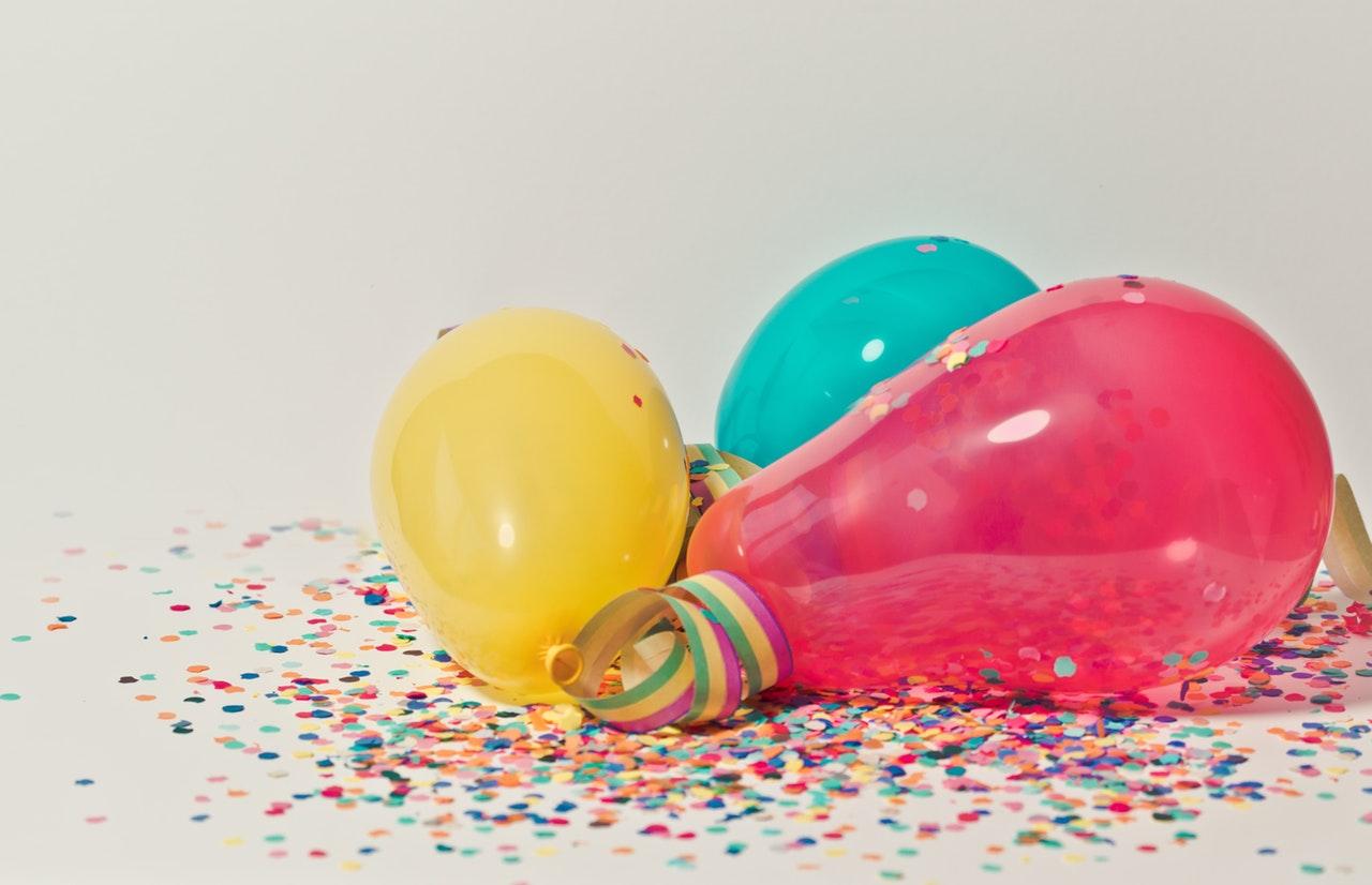 Ballonnen en confetti