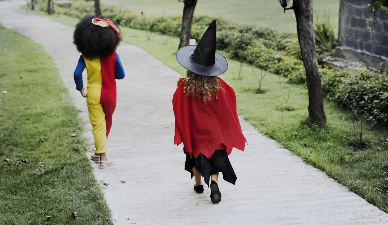 Kinderen in kostuum