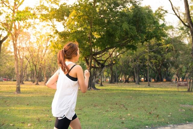 Hardlopen door het park