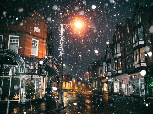 Kerstdorp met sneeuw
