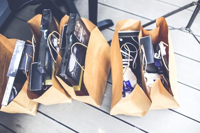 Papieren winkeltassen
