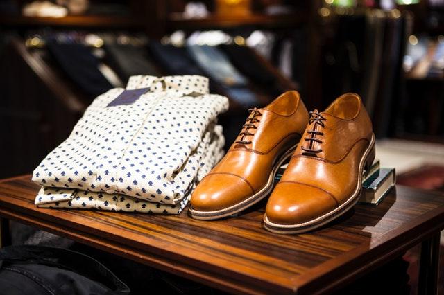 Schoenen en overhemd