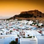Rhodos inclusief vlucht, verblijf en huurauto vanaf slechts €529,- via TravelBird